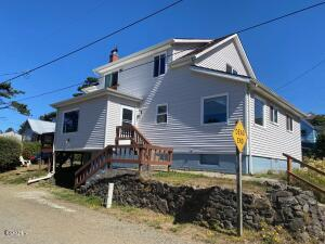 2818 NW Mast Ave, Lincoln City, OR 97367 - Front View
