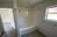 2818 NW Mast Ave, Lincoln City, OR 97367 - Tub and Shower combo