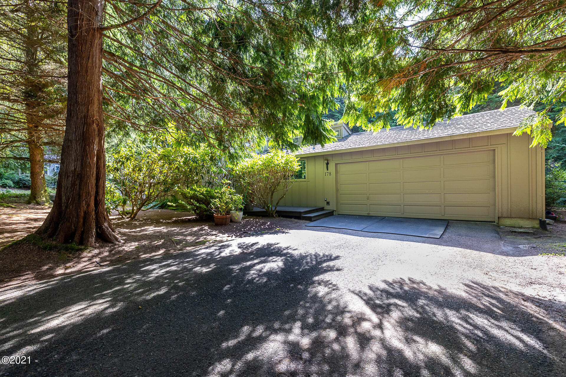 178 SW The Pines Dr, Depoe Bay, OR 97341 - Front