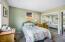 909 SW 10th Pl, Lincoln City, OR 97367 - Master Bedroom