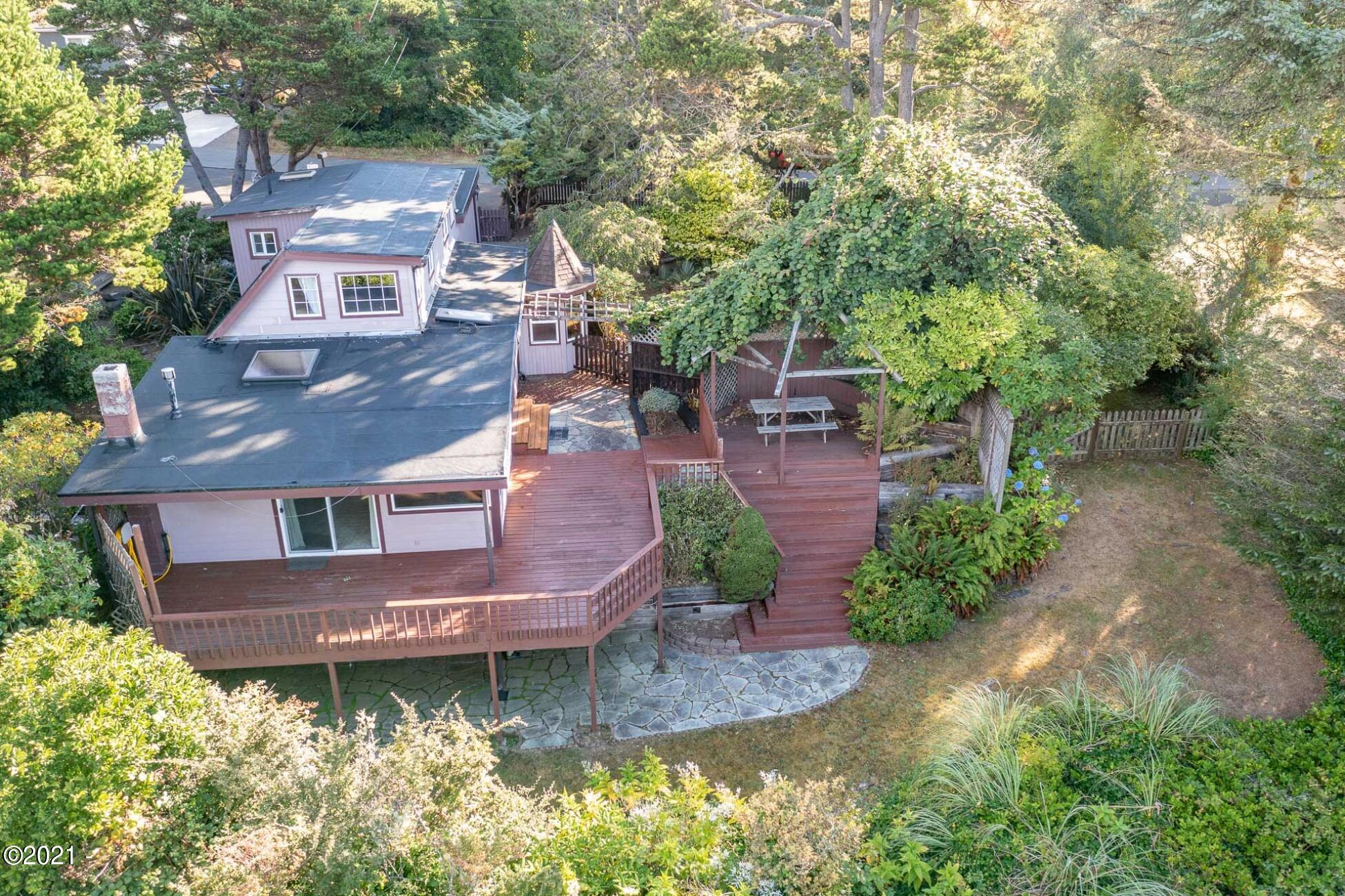 2709 SW Dune Ave, Lincoln City, OR 97367 - Back Exterior Aerial