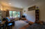 317 Wright Creek Rd, Toledo, OR 97391 - Apt living room