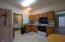 317 Wright Creek Rd, Toledo, OR 97391 - Apt kitchen