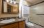 4870 Cloudcroft Ln, Florence, OR 97439 - Bathroom