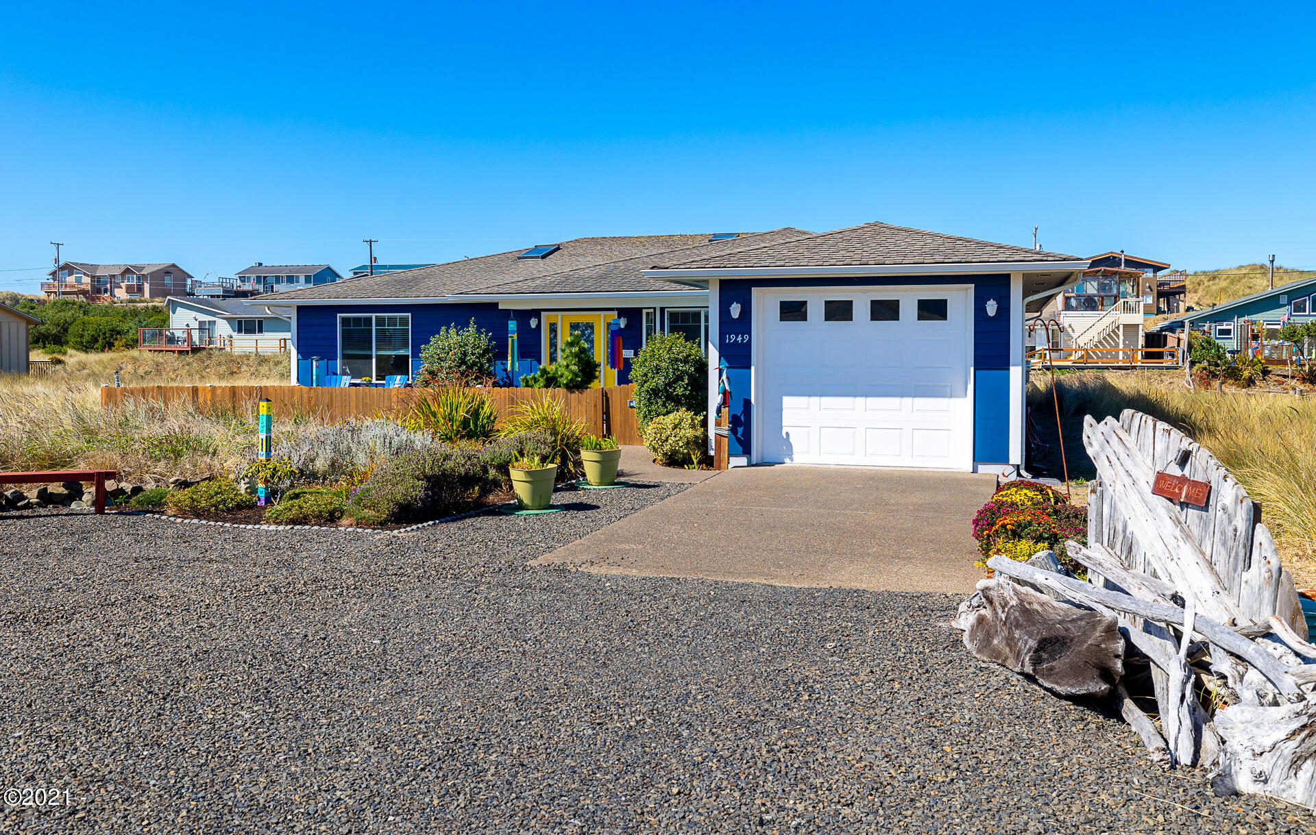1949 NW Admiralty Cir, Waldport, OR 97394
