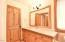 4606 SW Beach Ave, Lincoln City, OR 97367 - Main Bathroom