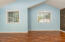 574 SE Neptune Ave, Lincoln City, OR 97367 - Master bedroom
