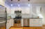 574 SE Neptune Ave, Lincoln City, OR 97367 - SS appliances