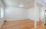 574 SE Neptune Ave, Lincoln City, OR 97367 - Living room