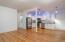 574 SE Neptune Ave, Lincoln City, OR 97367 - Living area