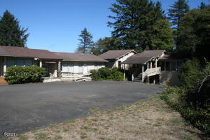 2600 NE Hwy. 101, Lincoln City, OR 97367 - Building Photo