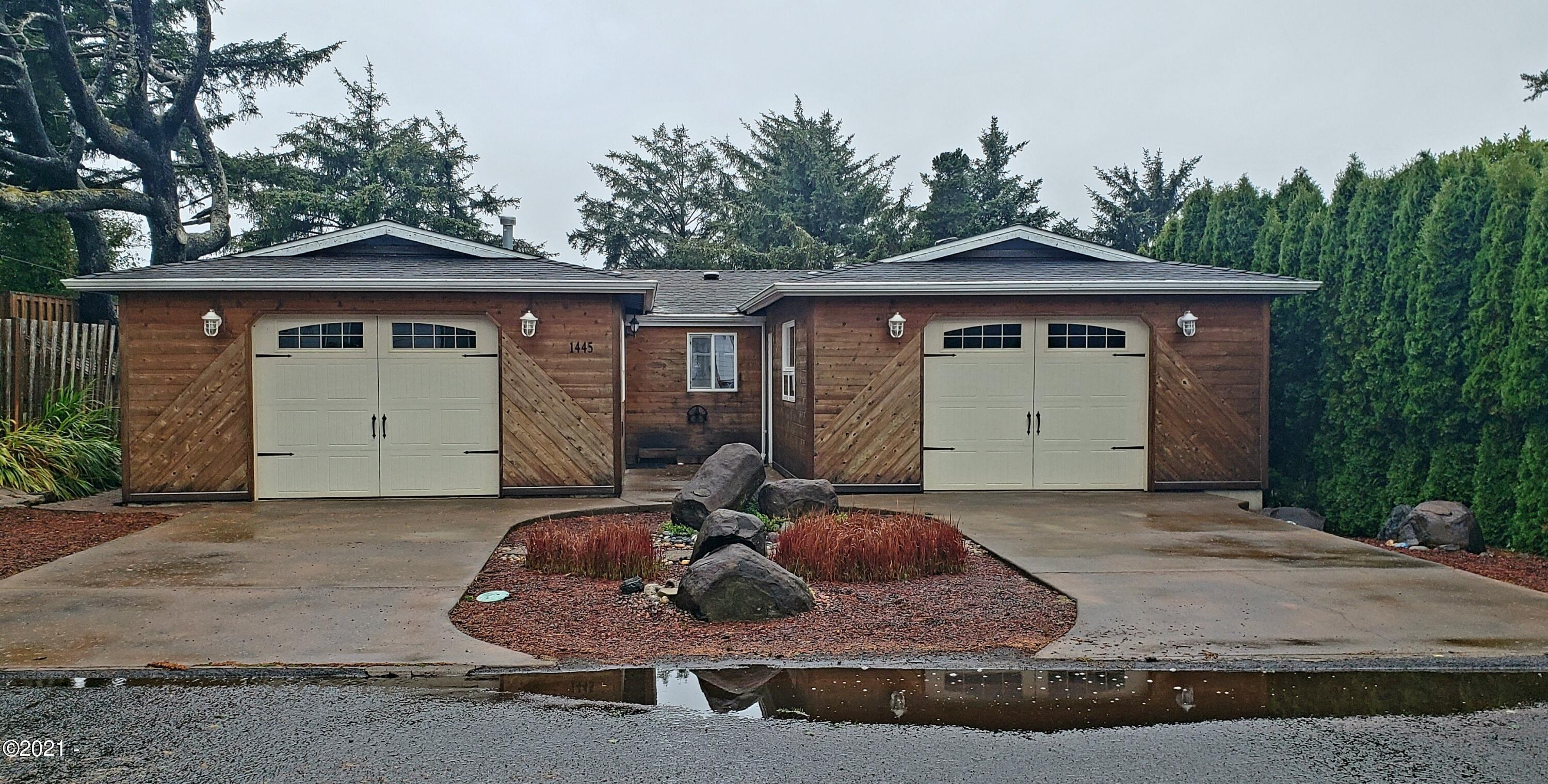 1445 SE 2nd Pl, Lincoln City, OR 97367 - His and Hers Garage