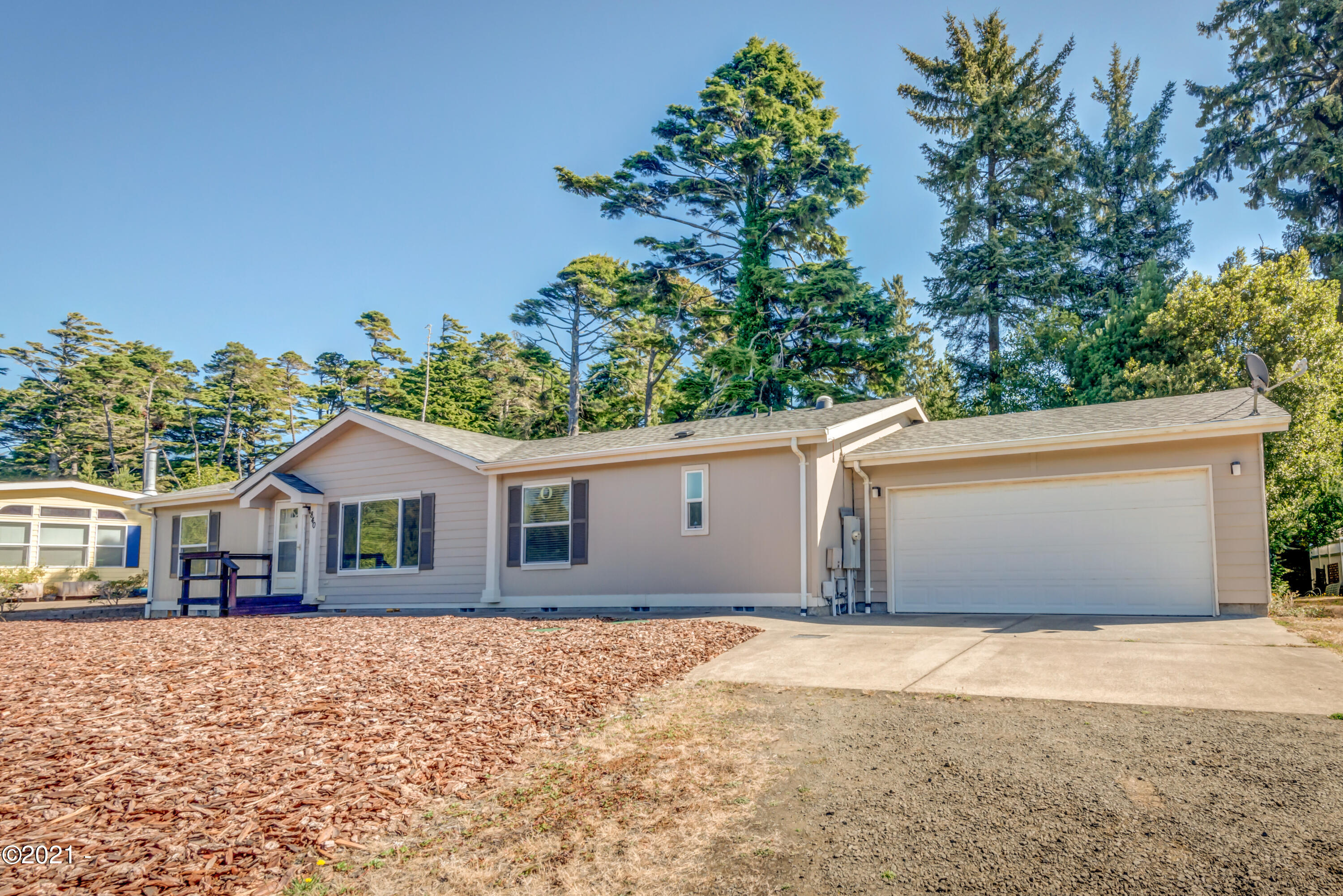 840 NW Grouse St, Seal Rock, OR 97376