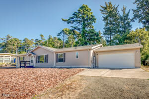 840 NW Grouse St, Seal Rock, OR 97376 - Front