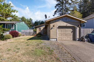 2180 NE Reef Ave, Lincoln City, OR 97367 - 2180NEReef-01
