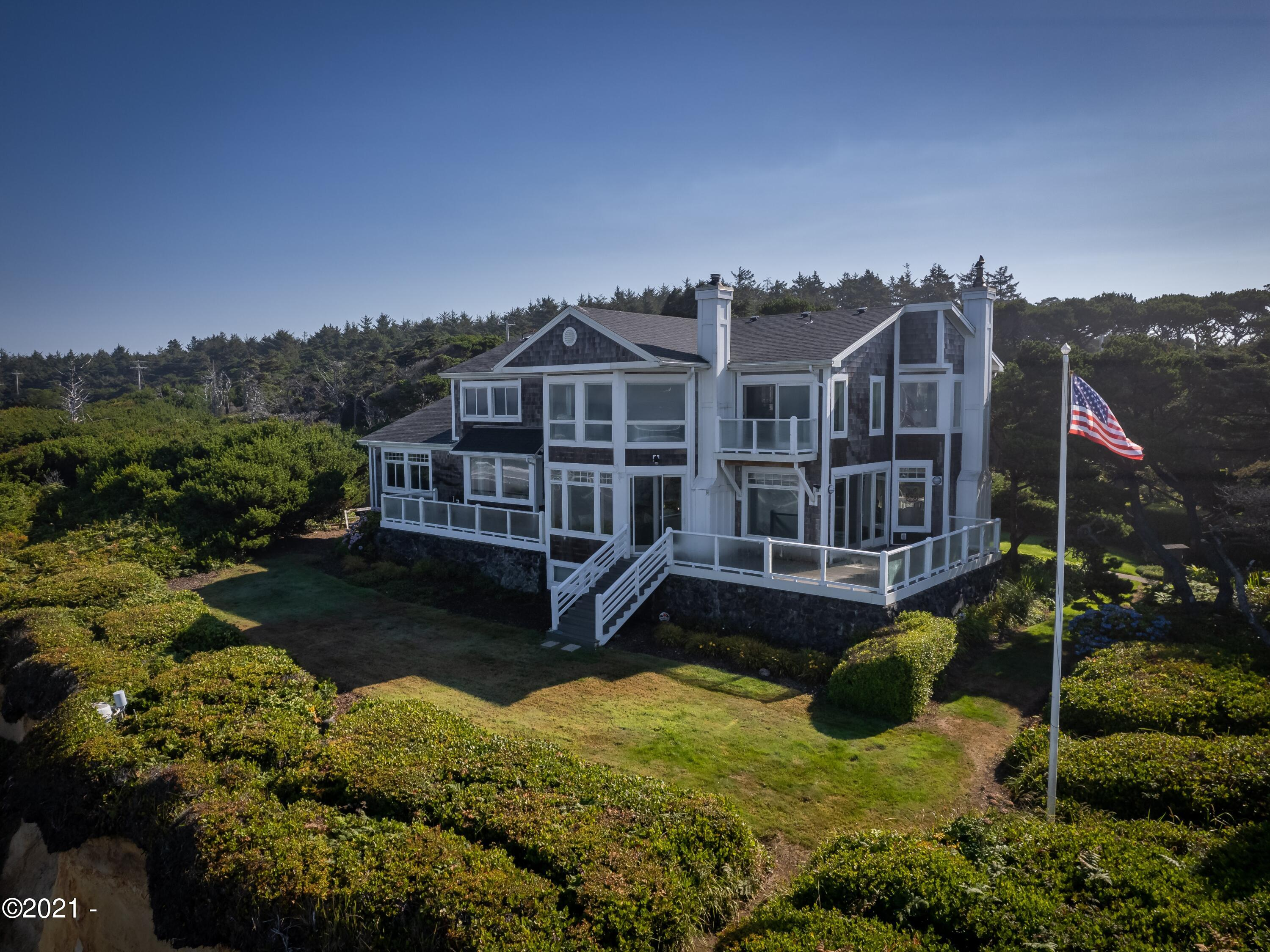 11960 NW Short St, Seal Rock, OR 97376