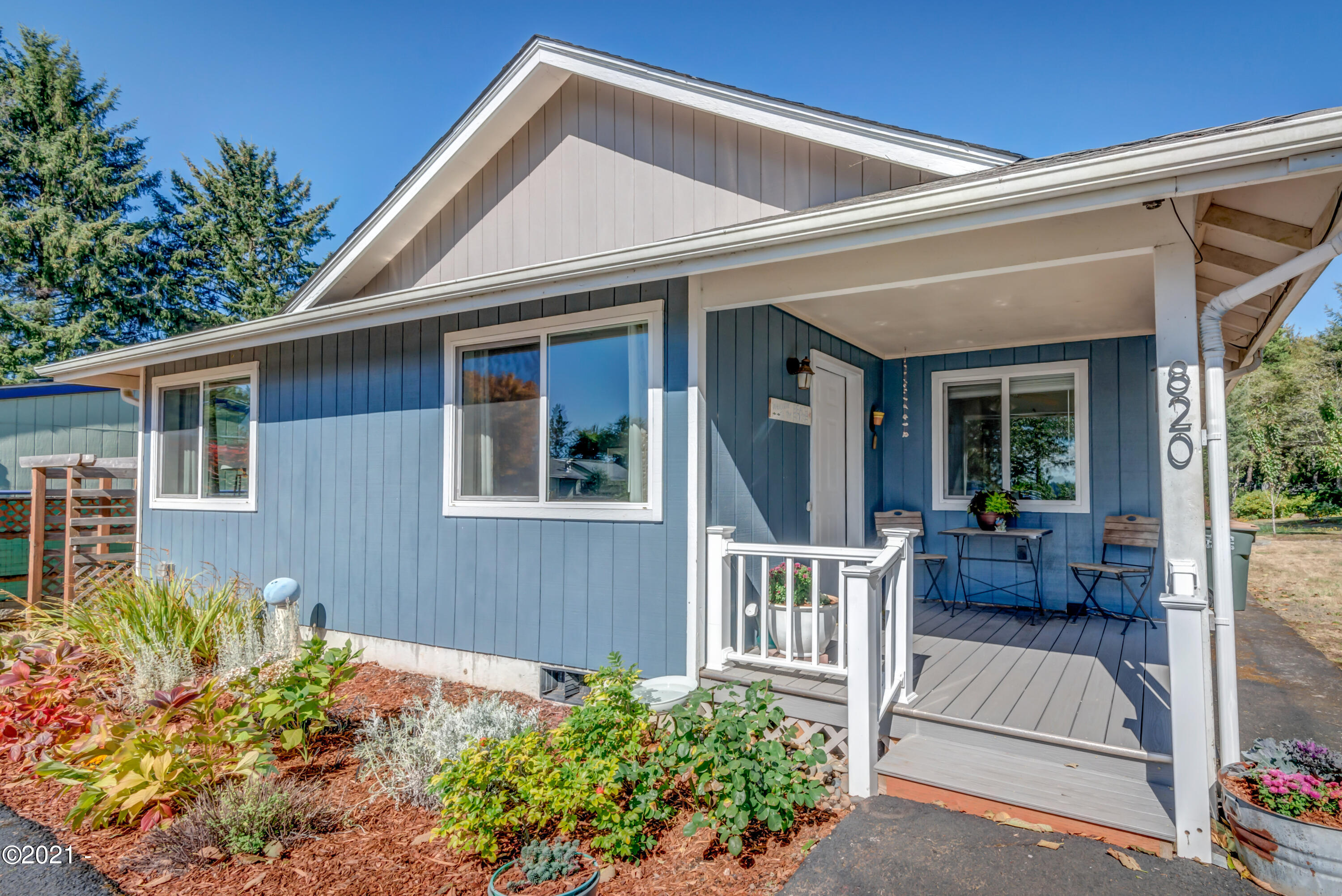 820 NW Estate Dr, Seal Rock, OR 97376