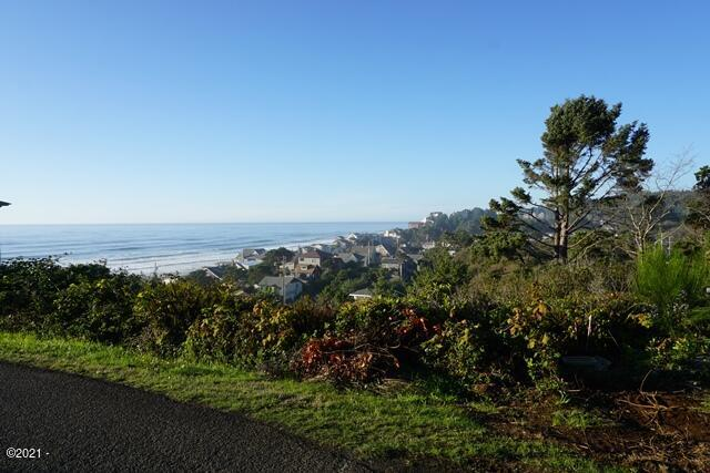 683 SW 36th West Half Tl 4000 St., Lincoln City, OR 97367