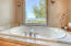 6545 Pacific Overlook Dr, Neskowin, OR 97149 - Master Bathroom w/Jetted Tub