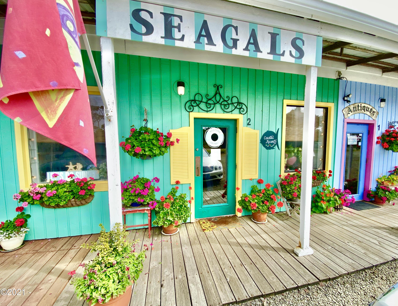 10841 Pacific Coast Hwy, #2, Seal Rock, OR 97376 - Seagals - Seal Rock