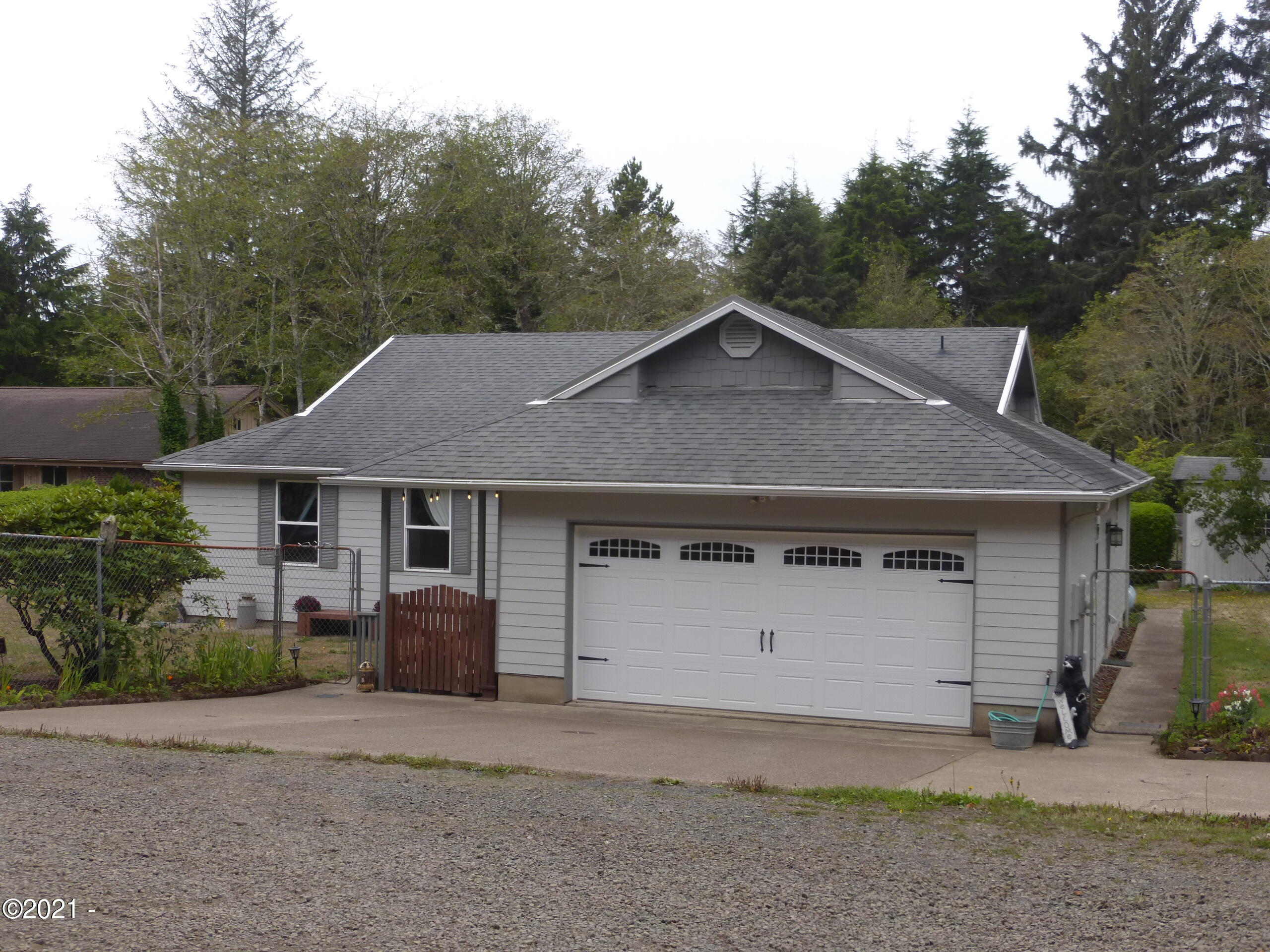 12344 SE Paradise Ln, South Beach, OR 97366 - Front
