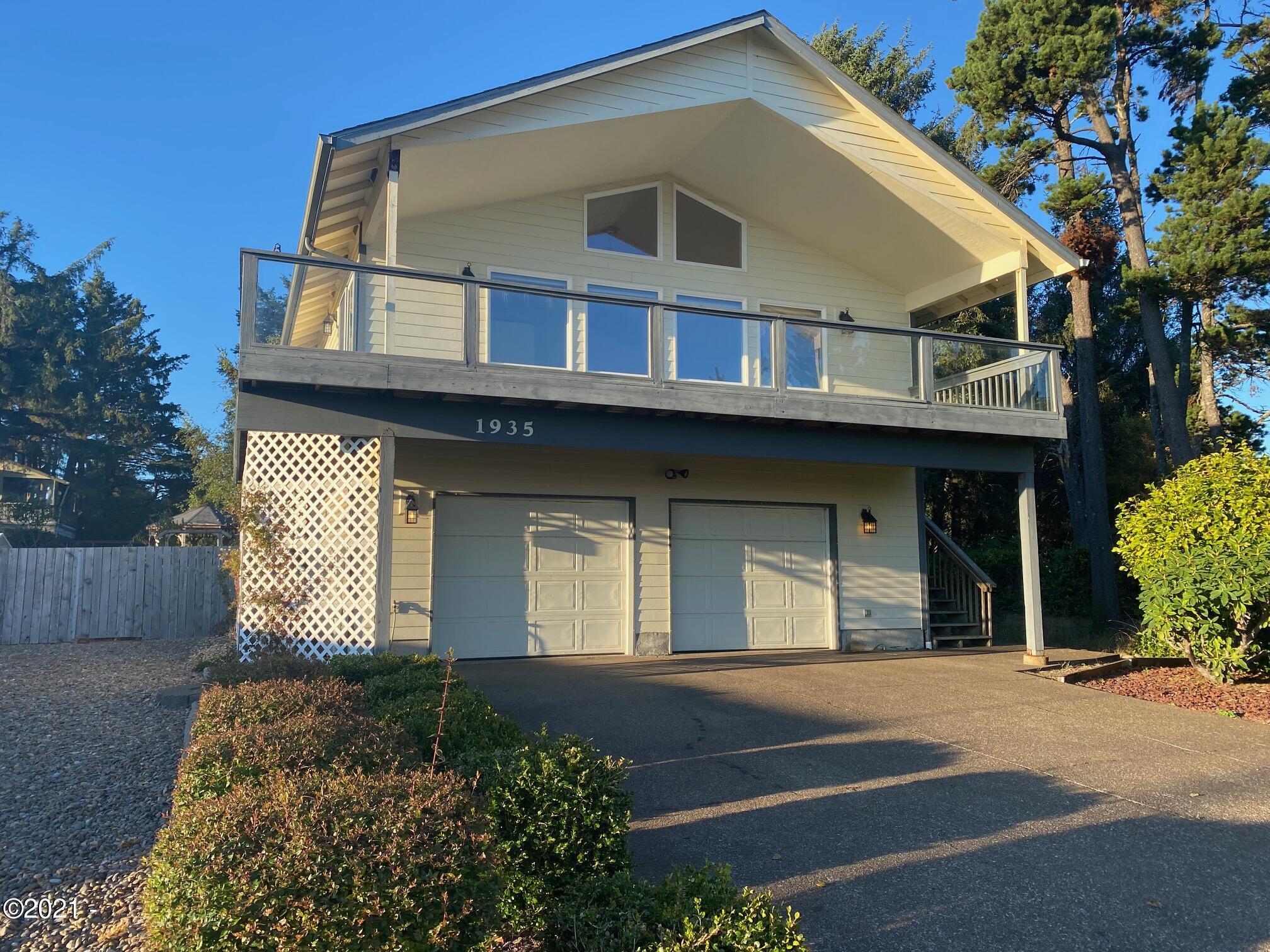 1935 NW 51st St, Lincoln City, OR 97367 - 2 Story Home