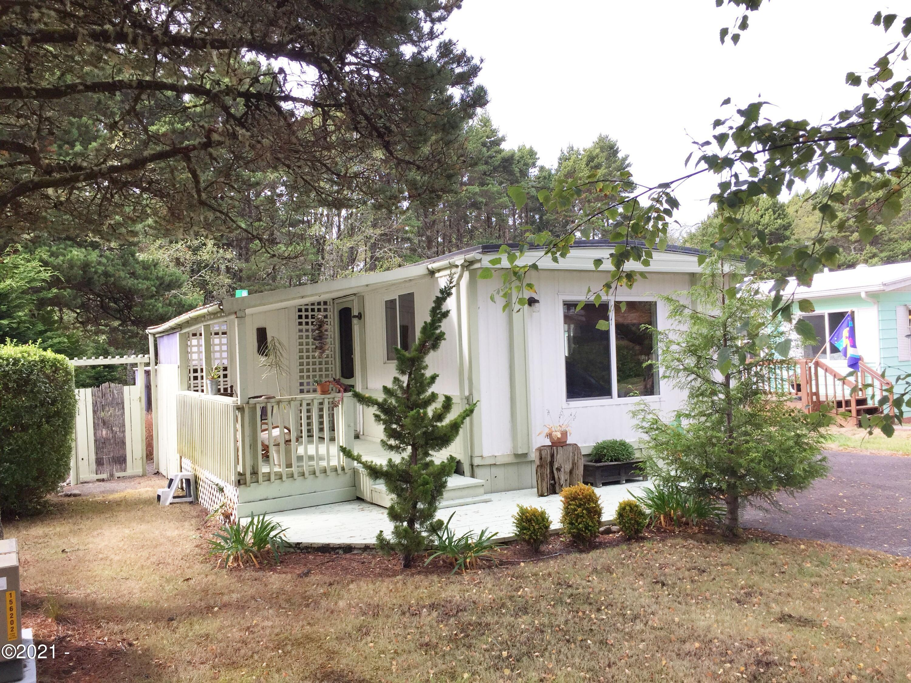 5405 NW Pacific Coast Hwy, #13, Waldport, OR 97394