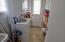 434 NE 8th St, Newport, OR 97365 - Laundry