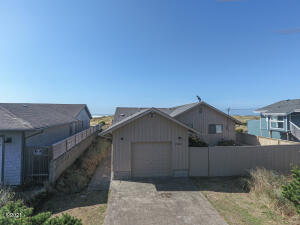 2206 NW Oceania Dr, Waldport, OR 97394 - front view