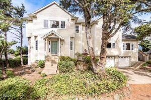925 SW 8th St, Lincoln City, OR 97367 - Exterior