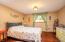 1024 NE Fogarty St, Newport, OR 97365 - Main Bedroom