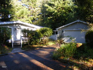 221 SE 143rd St, South Beach, OR 97366 - Exterior