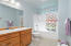 2742 Nw Seafarer Court, Waldport, OR 97394 - Bathroom Suite