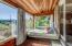 1105 NW Oceania Dr, Waldport, OR 97394 - Enclosed sun room