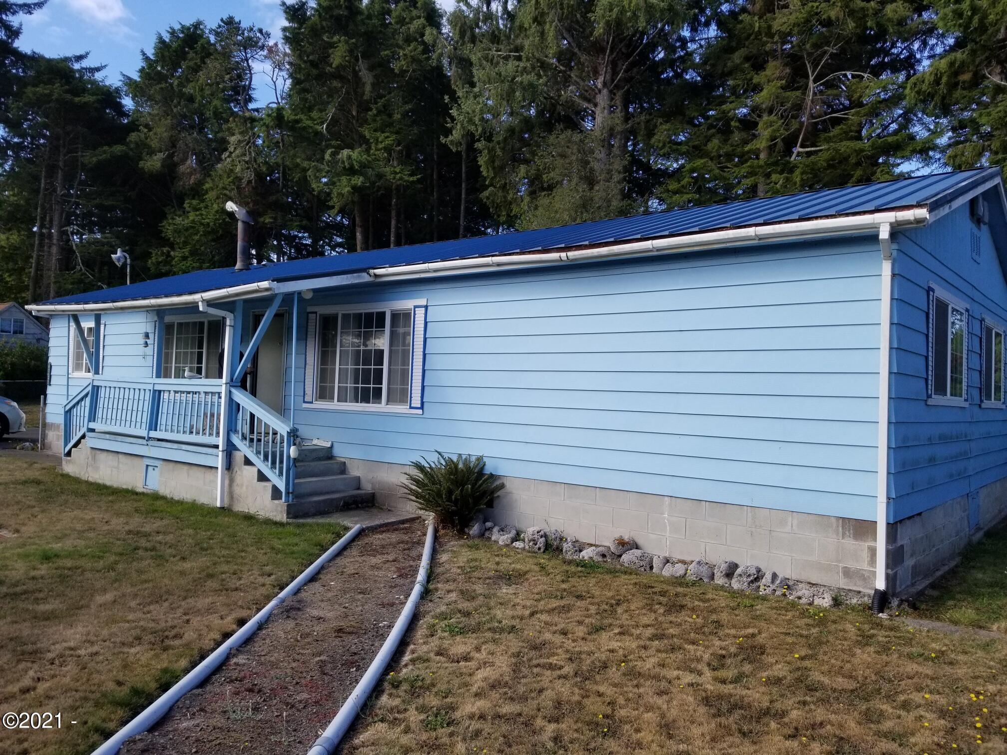 6725 Rhododendron Ave, Gleneden Beach, OR 97388 - Front