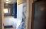 916 SE Fir St, Toledo, OR 97391 - bathroom