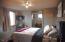 916 SE Fir St, Toledo, OR 97391 - bedroom 1