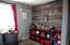 916 SE Fir St, Toledo, OR 97391 - bedroom 2