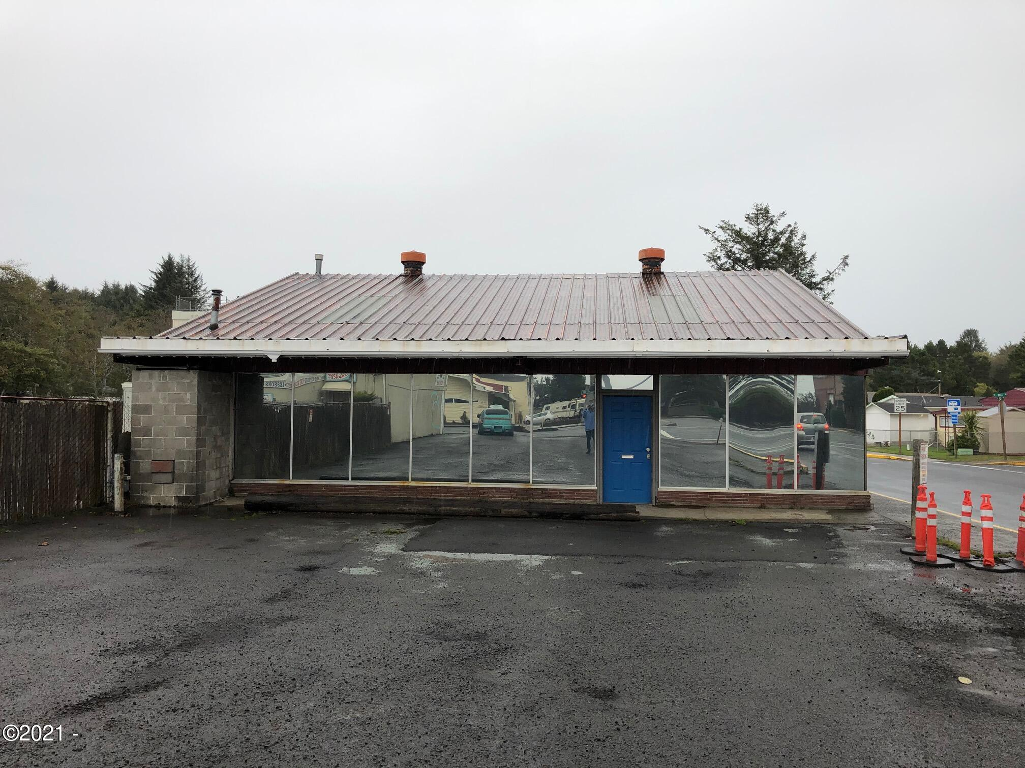 4794 SE Hwy 101, Lincoln City, OR 97367 - Prime Location