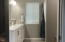 985 SW Skyline Ter, Waldport, OR 97394 - Master bath..