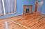 211 NE San-bay-o Cir, Newport, OR 97365 - Living room