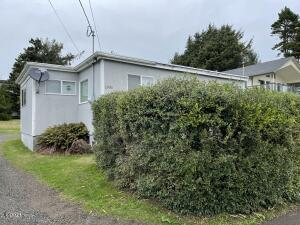 1905 NW 51st St, Lincoln City, OR 97367 - Exterior