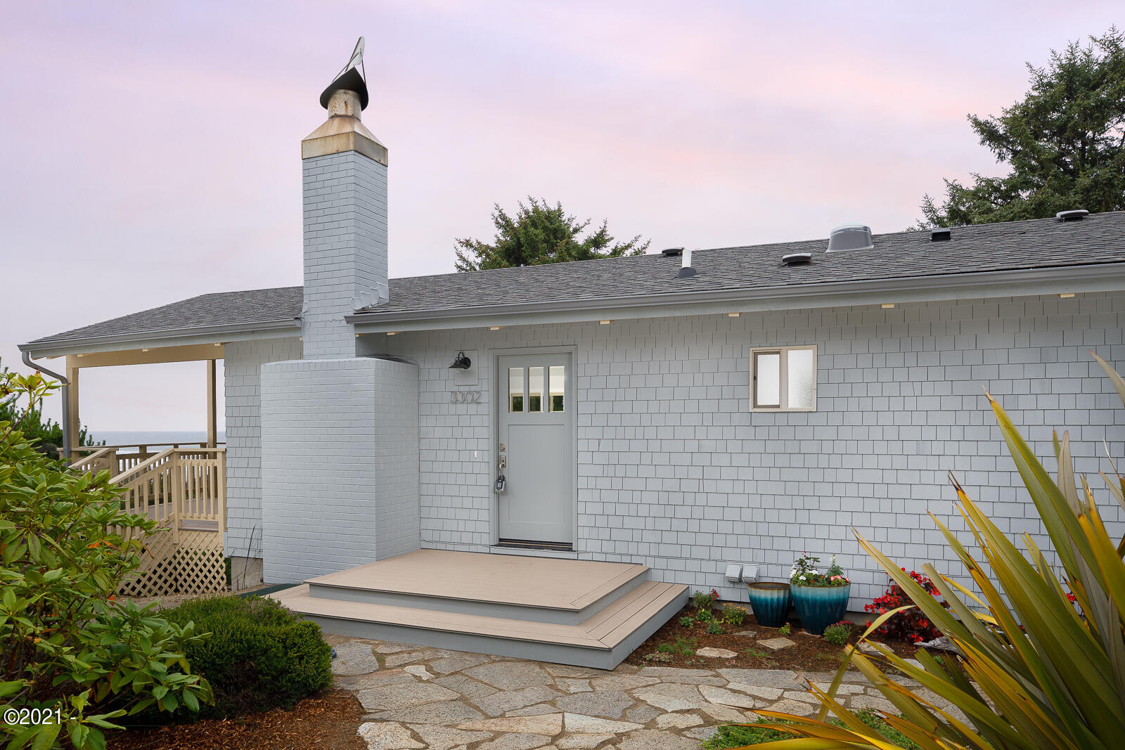 3302 NW Sandpiper Way, Waldport, OR 97394