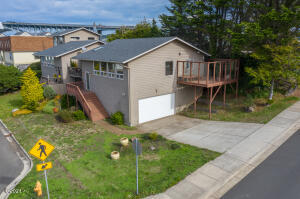 2637 SW Brant St, Newport, OR 97365-5200