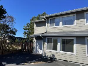 2209 NW Oar Pl, Lincoln City, OR 97367