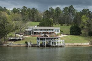 718 BAY PINE Pt, Jacksons Gap, AL 36861