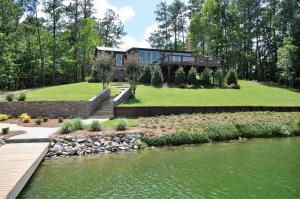 Welcome to this Stunning Lake Martin Cabin!