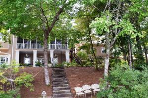 392 Mountain Laurel Dr, Jacksons Gap, AL 36861