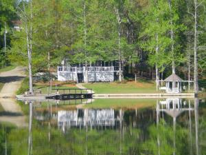 104 Thomas Loop, Jacksons Gap, AL 36861