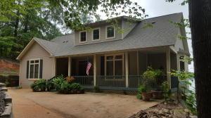 1334 River Oaks Dr, Jacksons Gap, AL 36861